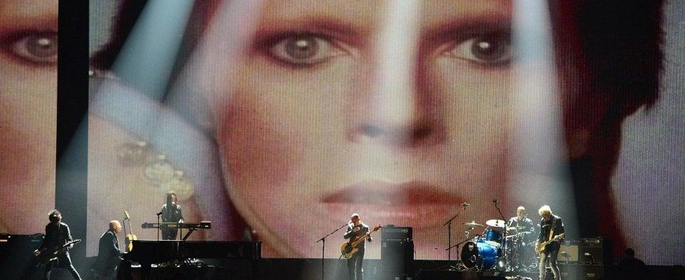 Spiando dentro il mondo del giovane David Bowie, la stella prima del viaggio di 'Space Oddity'