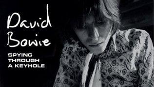 Scovati nove brani inediti del giovane Bowie. In un cofanetto gli esordi di una stella