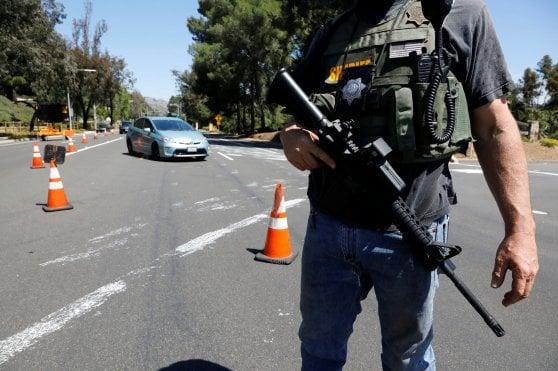 Sparatoria in una sinagoga di San Diego, almeno un morto e tre feriti