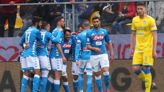 Frosinone-Napoli 0-2, Mertens e Younes blindano il secondo posto