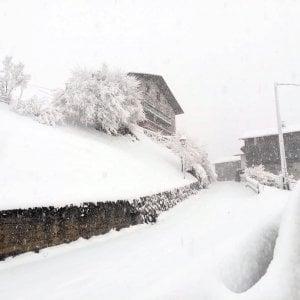 Meteo, ottanta centimetri di neve sulle Dolomiti. Temporali a Roma