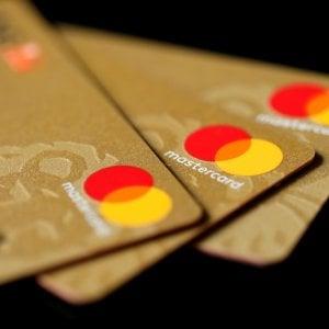 Carte di credito, taglio Ue alle commissioni per Mastercard e Visa
