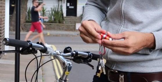 Frecce da bicicletta, il boom che non tocca l'Italia