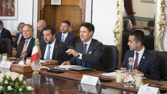 """Libia, Italia e Tunisia frenano Haftar: """"Fermare gli attacchi, subito una tregua"""""""