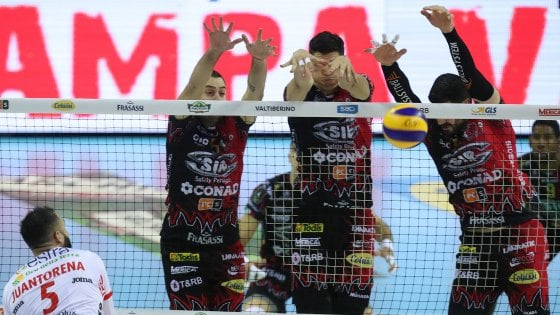 Volley, finale scudetto: gara 1 senza storia, Perugia batte Civitanova 3-0