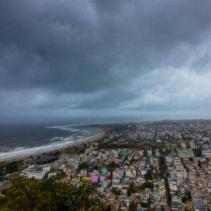 India, Orissa, in arrivo il ciclone Fani: iniziata l'evacuazione di 800 mila persone