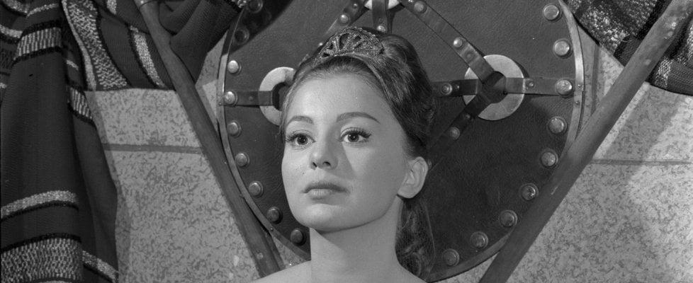 È morta Alessandra Panaro, star di 'Poveri ma belli'
