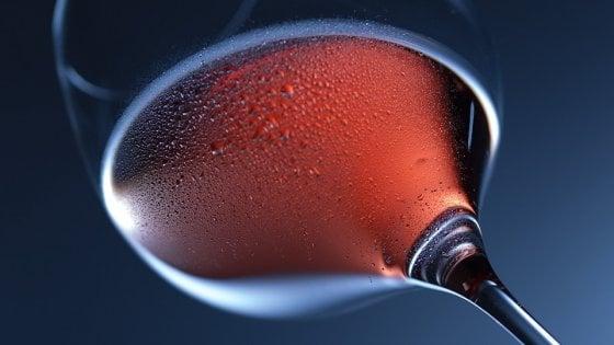 Prostata, pochi bicchieri di vino a settimana non aumentano il rischio di cancro
