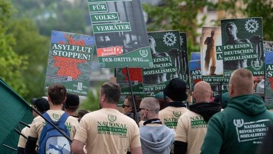 Germania, 12.700 estremisti di destra pronti alla violenza