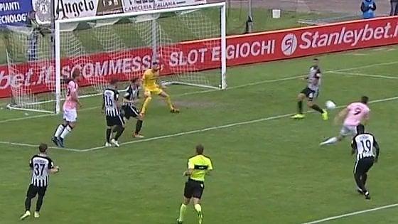 Serie B: il Palermo resta in corsa per la A, Verona travolto dal Cittadella