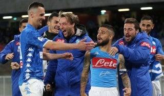 Napoli-Cagliari 2-1: Mertens, Var e Insigne ribaltano i sardi