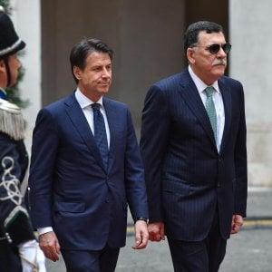 """Libia, missione lampo di Serraj a Roma: """"L'Italia ci aiuti contro l'invasore Haftar"""""""