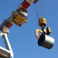 ArcelorMittal taglia la produzione di acciaio in Europa. Rallenta l'Italia