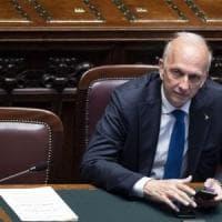 """Scuola, il ministro Bussetti: """"Io il grembiule lo portavo, favorisce l'inclusione sociale"""""""