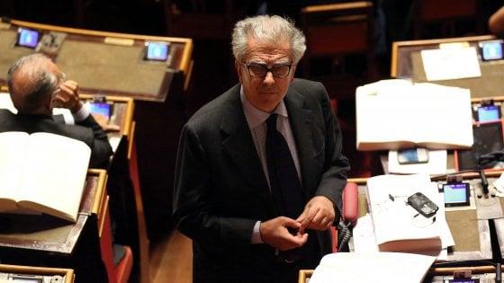 """Pd, Zanda ritira la proposta di legge sulle indennità parlamentari. Zingaretti lo ringrazia: """"Così finisce un'altra bufala M5S"""""""