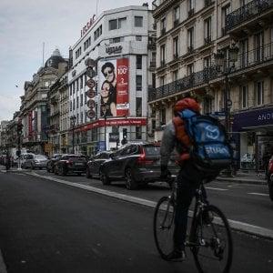 Giallo a Parigi, funzionario italiano dei Servizi segreti trovato morto in hotel