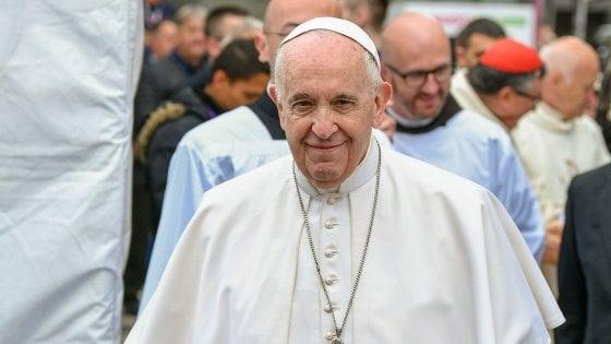 """Il Papa a Skopje: """"La solidarietà fa onore al popolo macedone"""""""