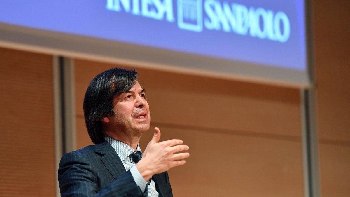 Intesa Sanpaolo lima l'utile del 16% ma resta in linea con gli obiettivi 2019
