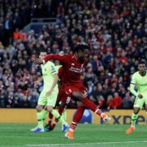 Liverpool-Barcellona, il calcio d'angolo è da leggenda