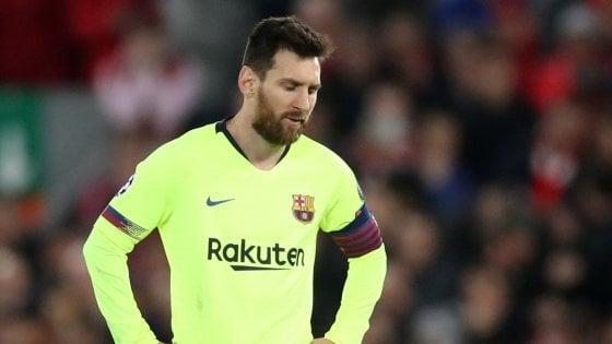 Barcellona, Messi contestato in aeroporto. Bartomeu: ''Valverde? Ci sarà tempo per riflettere''
