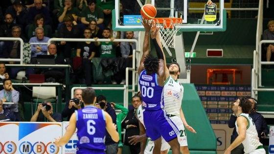 Basket, serie A: tre posti playoff ancora disponibili, domenica i verdetti