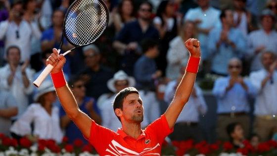 Tennis, Masters Madrid: finale Djokovic-Tsitsipas, battuti Thiem e Nadal