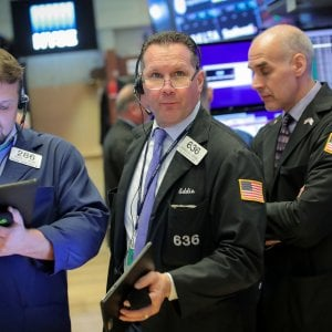 Pechino rilancia sui dazi, Wall Street a picco. Milano -1,35%
