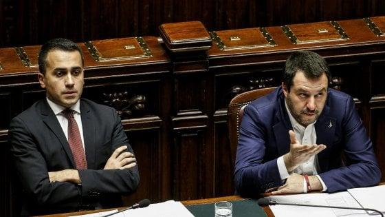 """Governo, scontro Di Maio a Lega: """"Basta estremismi"""". Camera: maggioranza ko su libertà sindacale Forze Armate"""
