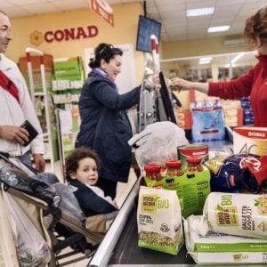 Conad rileva i supermercati di Auchan in Italia e lancia la sfida alla Coop