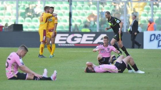 """Serie B, Gravina: """"Playout cancellati? Lega non competente"""". Balata: """"Figc ci aiuti"""""""