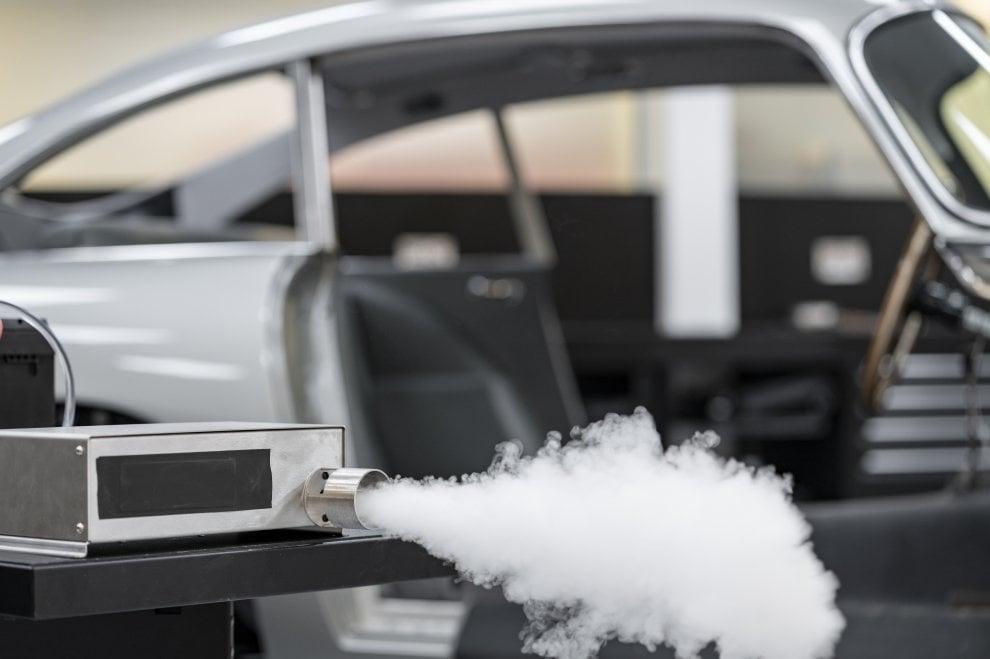 Torna l'Aston Martin DB5 di 007 con tutti i suoi trucchi