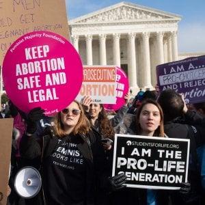 L'Alabama per legge vieta l'aborto: i medici rischiano 99 anni di carcere
