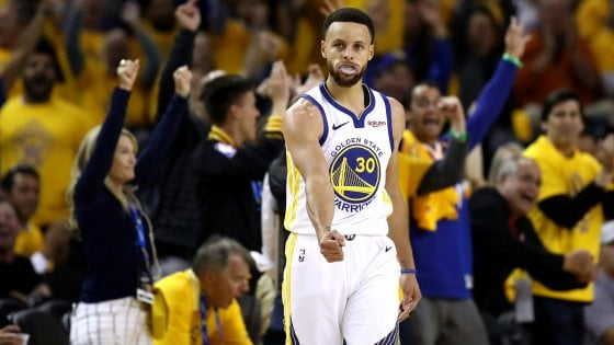 Basket Nba, finale Ovest: Curry trascina Golden State, Portland ko in gara 1