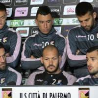 Palermo, la protesta dei giocatori: