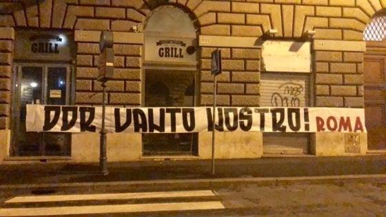 Roma, addio De Rossi: contestazione a Trigoria e striscioni di protesta