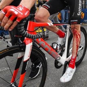 Ciclismo, Giro d'Italia: Dumoulin si ritira