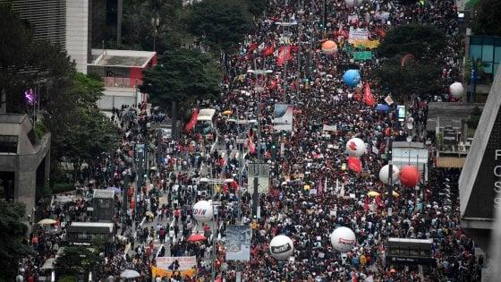 Brasile: sciopero e proteste contro austerity università