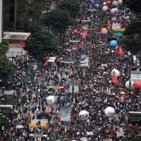 Il Brasile scende in piazza contro la riforma dell'università di Bolsonaro