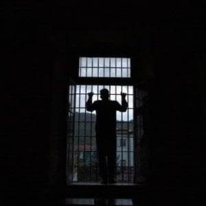 Più detenuti, meno reati: il rapporto Antigone sulle carceri in Italia