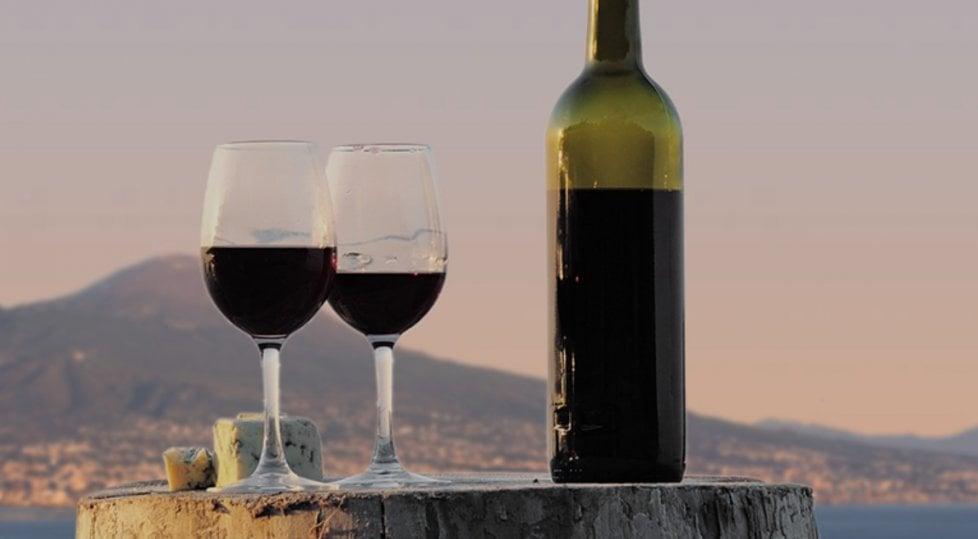 Vitigni di tutta Italia, unitevi: a Napoli il vino a 360°