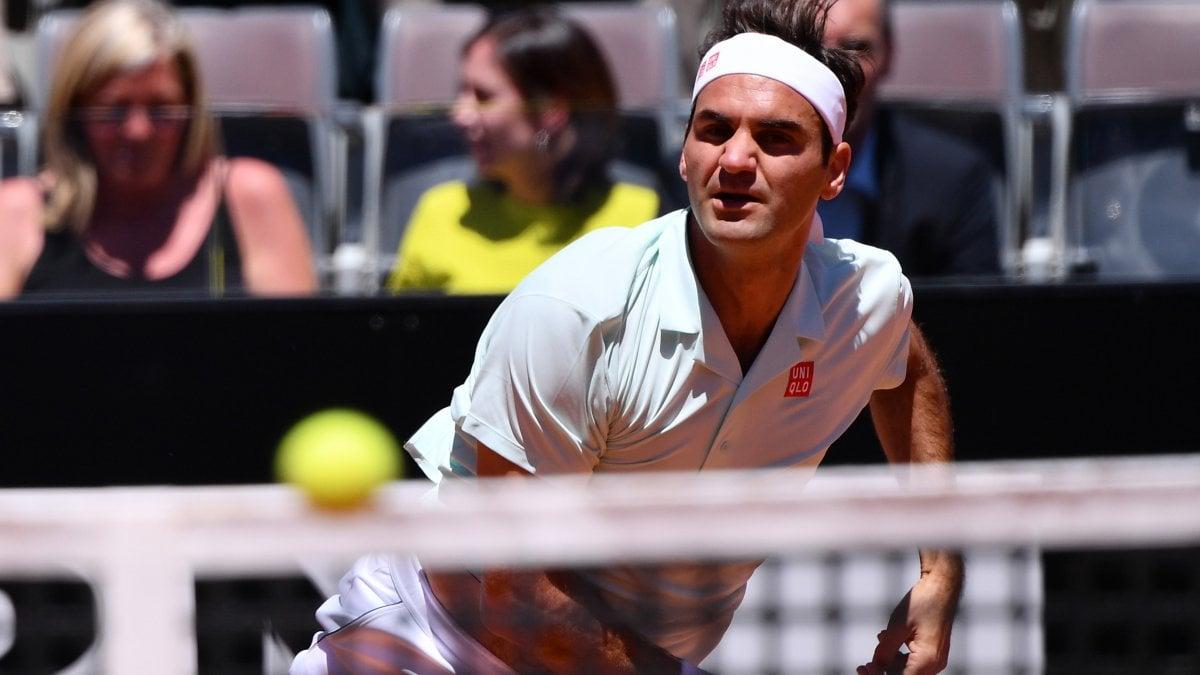 Tennis, Internazionali: avanzano Djokovic, Nadal e Federer. Fuori Sinner e Cecchinato