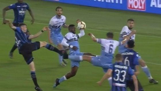 """Lazio-Atalanta, Nicchi: """"Mano di Bastos? Allo stadio nessuno ha visto"""""""