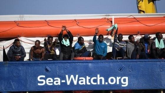 Sea Watch, rotta verso Lampedusa, motovedette in allerta