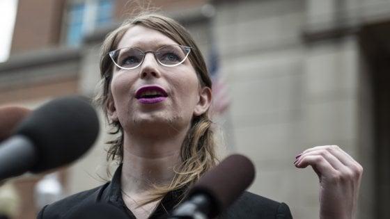 Chelsea Manning torna in carcere: accusata di oltraggio per non avere testimoniato su Wikileaks e Assange