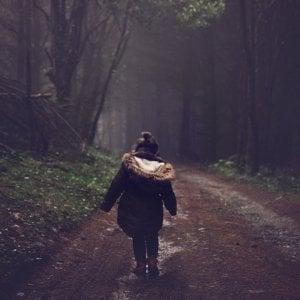 Figli e separazioni: psicologi e servizi non possono imporsi sulla volontà dei minori senza ascoltarli