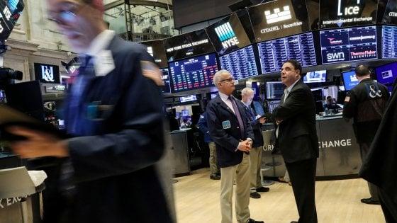 Borse deboli, lo spread scende a 276 punti. Di Maio: Non aumenteremo debito