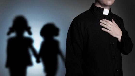 Polonia, il documentario sugli abusi della chiesa che fa tremare i sovranisti