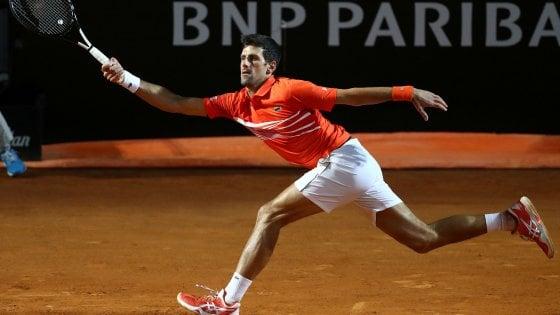 Tennis, Internazionali Roma: Djokovic batte Del Potro e conquista le semifinali