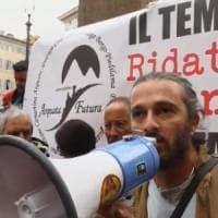 """La protesta dei terremotati in piazza Montecitorio. """"Non ci rappresentate"""""""