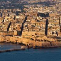 """Migrante ucciso a Malta """"perché nero"""", due soldati arrestati per omicidio razziale"""